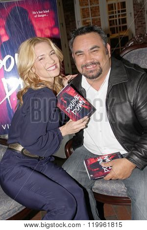 Actress Victoria Pratt chats with