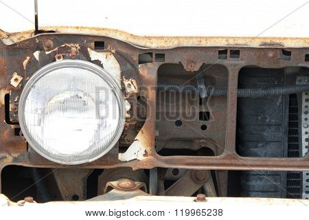 FRONT LIGHT AND GRILL OF OLD CAR