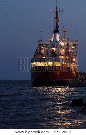 Schiff angedockt