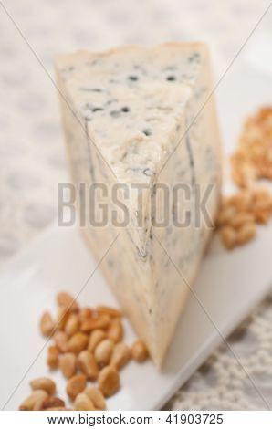 Gorgonzola Cheese Fresh Cut And Pinenuts