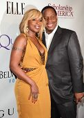 NEW YORK - MAY 01:  MARY J. BLIGE & HUSBAND arriving to 2nd Annual Mary J. Blige Honors Concert  on