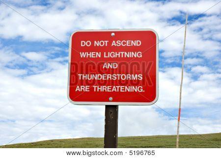 Sinal de aviso de tempestade