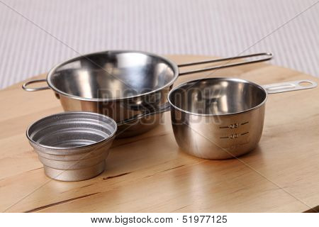 baking utensil with different sizes