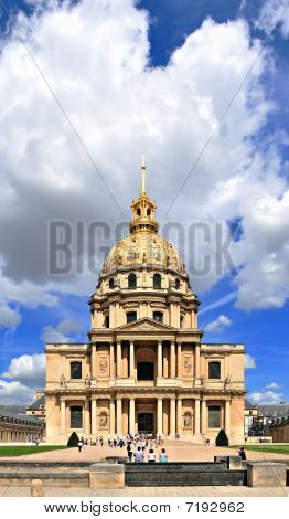 Front view of Les Invalides in Paris, France