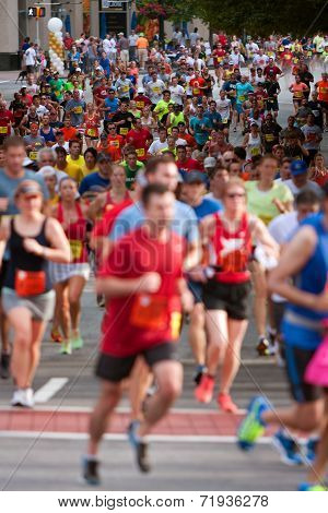 Thousands Of Runners Participate In Atlanta Peachtree Road Race
