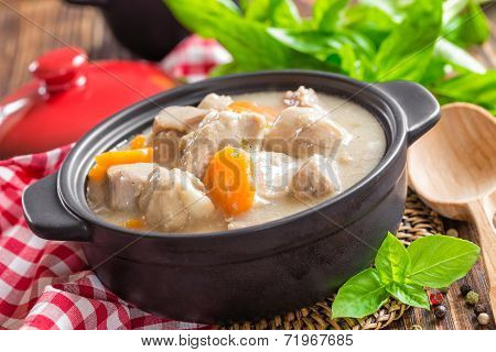 Meat in sauce with vegetables