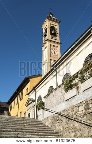 Canonica Al Lambro, Church
