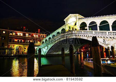 Rialto Bridge (ponte Di Rialto) At Night