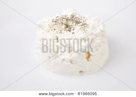 Granulated Cottage Cheese With Aromatic Herbs