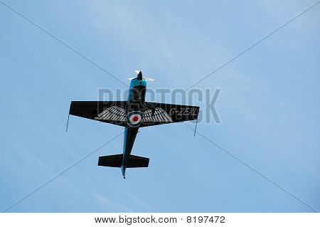 Aerobatic G-force