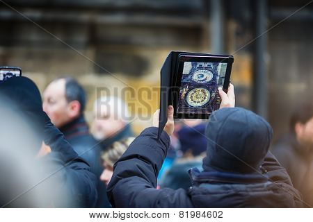 Man Photographs The Prague Astronomical Clock