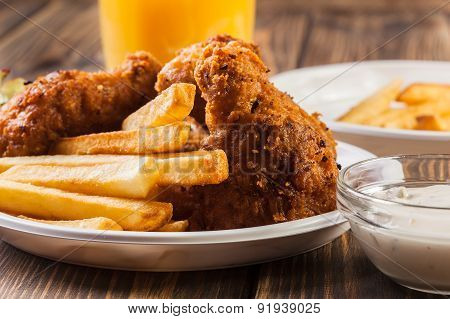 Crisp Crunchy Chicken Wings With Chips