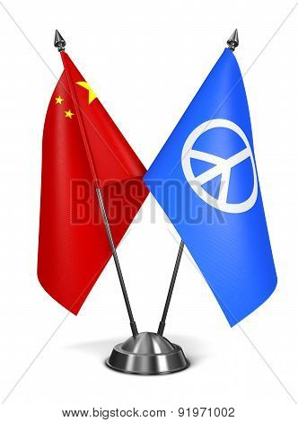 China and Peace Sign - Miniature Flags.