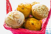 picture of patty-cake  - Muffin cake Cupcake in a pink wicker basket - JPG