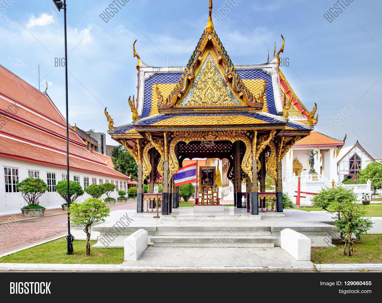 Classical thai architecture image photo bigstock for Thailand architecture