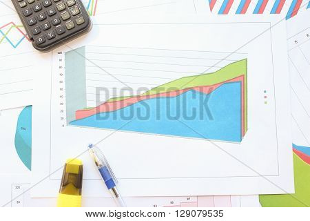 Different types of charts showing data: Growth in the bulk area charts