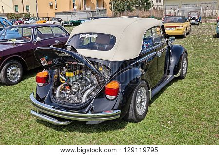 TRAVERSARA RA ITALY - APRIL 11: vintage Volkswagen Type 1 (Beetle) with tuned chromed engine in classic car rally