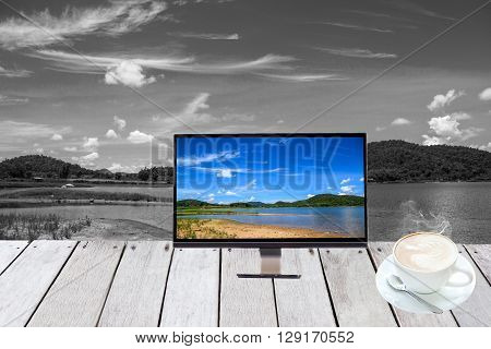 Lake In Monitor Show
