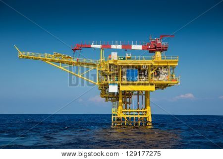 Oil and gas remote wellhead platform produce raw gas and condensate and sent to central processing platform far away
