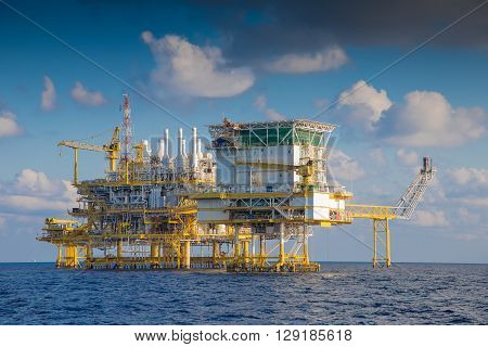 Oil and Gas processing platform that produce natural gas and condensate and sent to onshore refinery oil and gas business for world energy
