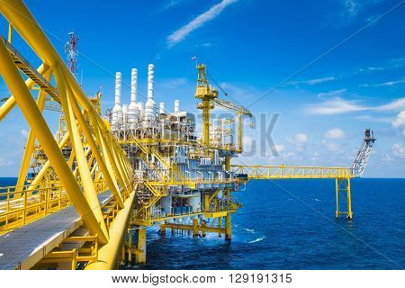 Oil and Gas processing platform that produce natural gas and condensate and sent to onshore refinery,power plant.