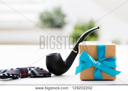 Father's Day Celebration Theme Present And Pipe