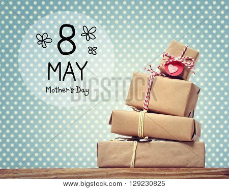 Mothers Day Message With Gift Boxes
