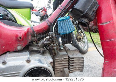 Motorcycle carburetor with custom made air filter box