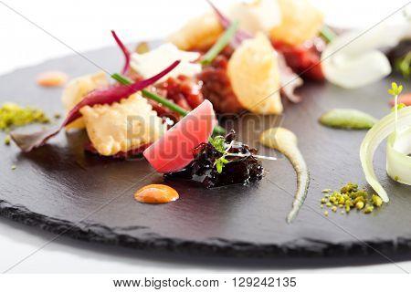 Tuna Tartare with Various Dip and Crispy