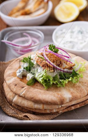 Chicken pita sandwich with cucumber yogurt sauce