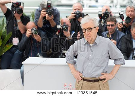 CANNES, FRANCE - MAY 11: Director Woody Allen attends the 'Cafe Society' photocall during the 69th annual Cannes Film Festival at Palais des Festivals on May 11, 2016 in Cannes