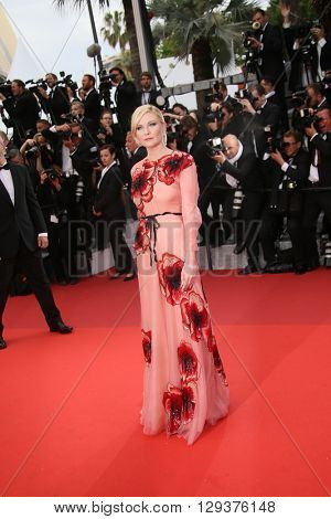 Kirsten Dunst attends the 'Cafe Society' premiere and the Opening Night Gala during the 69th Cannes Film Festival at the Palais des Festivals on May 11, 2016 in Cannes, France.