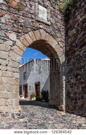 Town gate in the medieval Castelo de Vide fortifications. Castelo de Vide, Portalegre, Alto Alentejo, Portugal