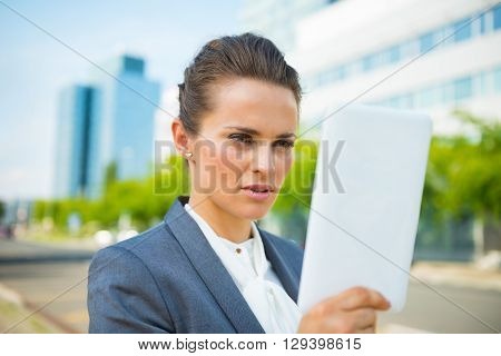 Business Woman Using Tablet Pc In Modern Office District
