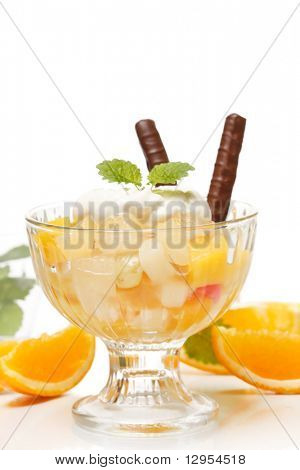 Fresh fruits salad with mint