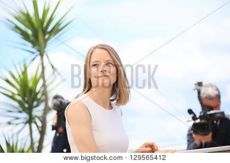 Jodie Foster attends the 'Money Monster' photocall during the 69th annual Cannes Film Festival at the Palais des Festivals on May 12, 2016 in Cannes, France.