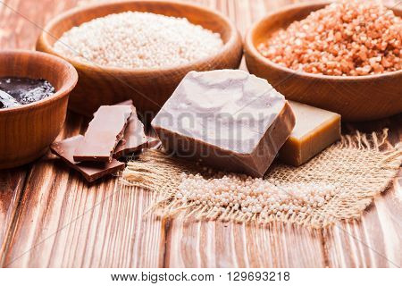 Chocolate spa - sea salt, handmade soap and hot mask