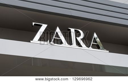 Zara Retail Store Exterior And Logo