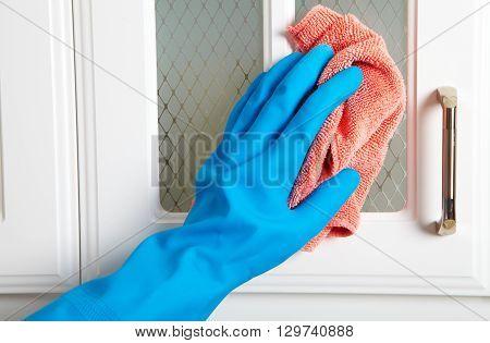 Cleaning Kitchen Dresser