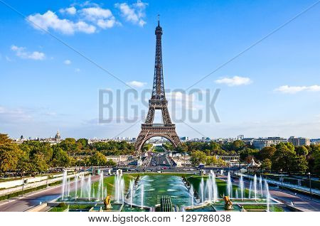 FranceParisthe Trocadero and the Tour Eiffel seen from De Varsovie square