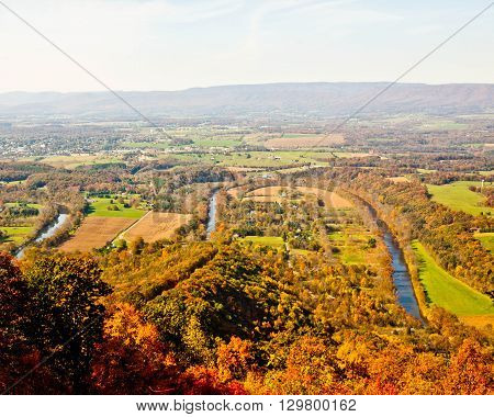 B of the Shenandoah River from the Woodstock Tower