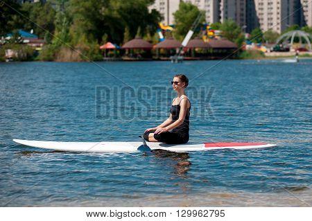 Sup Athletic Girl Yoga Meditation06
