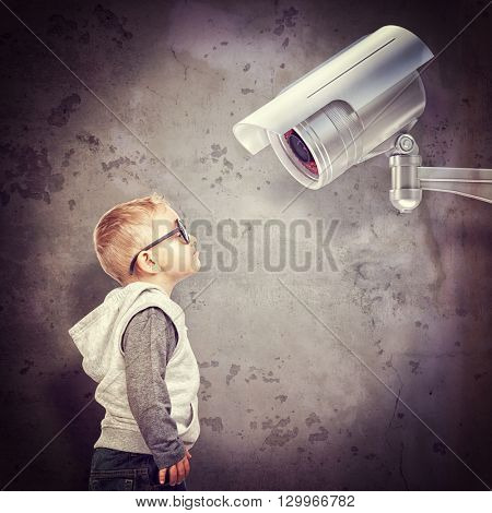 little child and cctv 3d