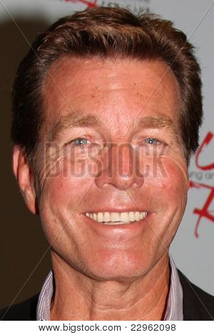 LOS ANGELES - AUG 26:  Peter Bergman attending the Young & Restless Fan Dinner 2011 at the Universal Sheraton Hotel on August 26, 2011 in Los Angeles, CA