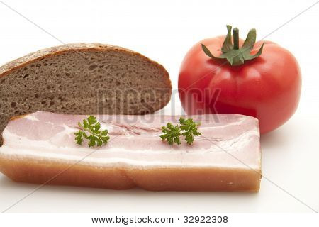 Dried meat with rye bread
