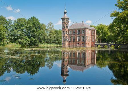 Dutch Castle Bouvigne, Breda