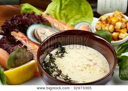 Cream soup with salmon