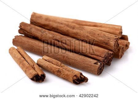 Cannelle sticks heap
