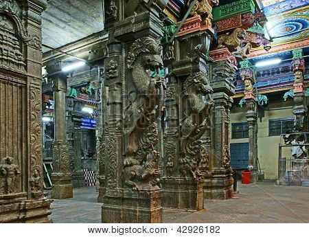 Inside of Meenakshi hindu temple.