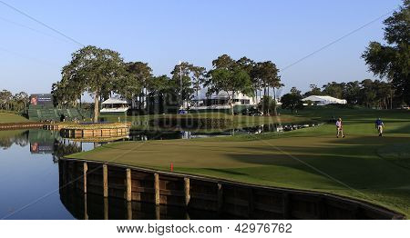 Hole 16 Sawgrass golf course, players 2012